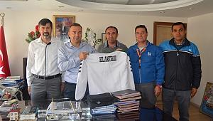 Kula Masterlar Futbol Derneği'nden Kaymakama Ziyaret