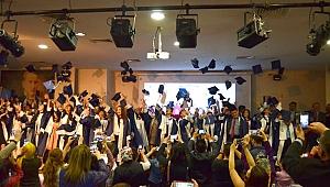 4 Eylül Ortaokulunda Mezuniyet Coşkusu