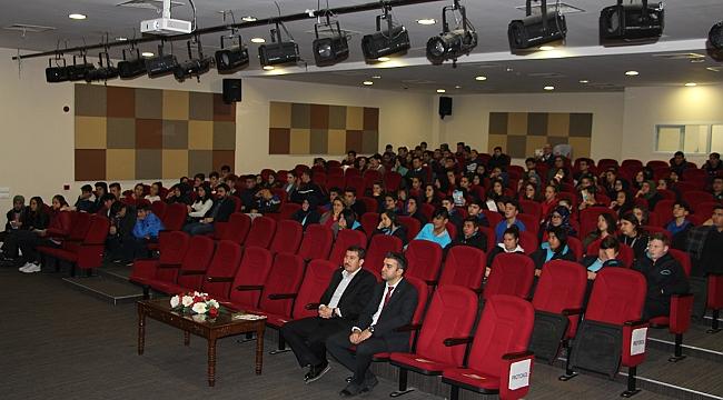 Öğrencilere güvenli internet semineri