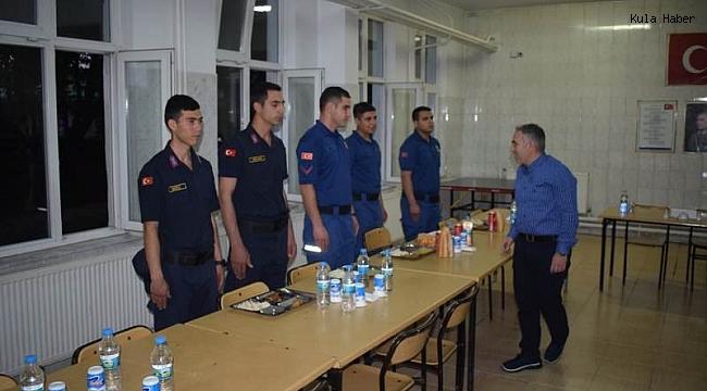 Kaymakam Duru, Jandarma personelleri ile iftarda buluştu