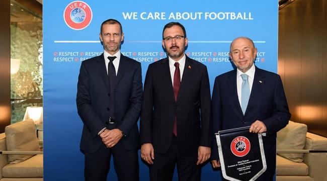 KASAPOĞLU VE ÖZDEMİR'DEN UEFA BAŞKANI CEFERİN'E ZİYARET