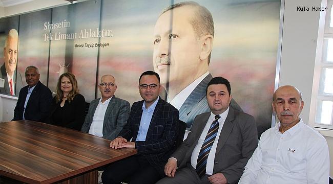 Kula AK Parti'de bayramlaşma