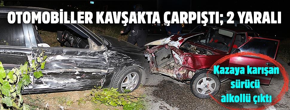 Otomobiller kavşakta çarpıştı; 2 yaralı