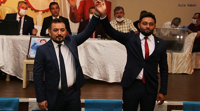 Kula İYİ Parti'de mevcut başkan güven tazeledi