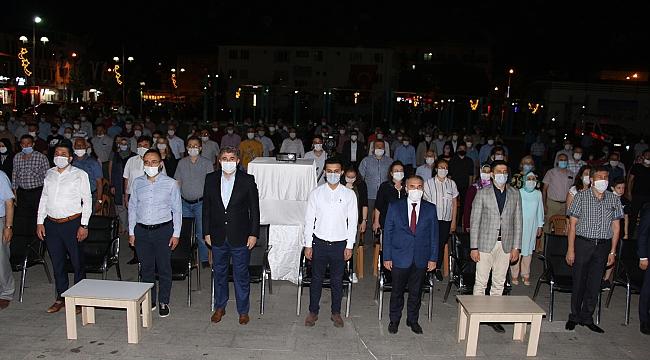 Kula'da sosyal mesafeli ve maskeli 15 Temmuz etkinlikleri
