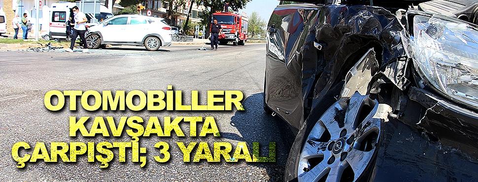 Otomobiller kavşakta çarpıştı; 3 yaralı