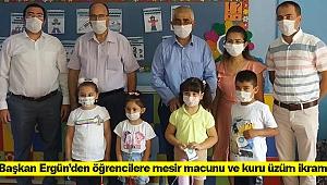 Başkan Ergün'den öğrencilere mesir macunu ve kuru üzüm ikramı