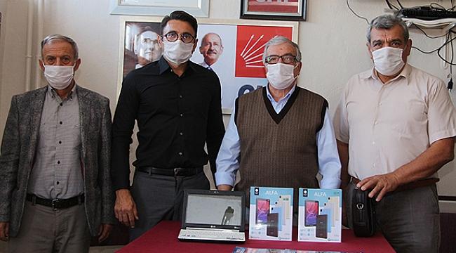 CHP'den ihtiyaç sahibi öğrencilere tablet