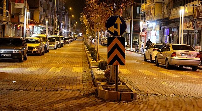 İlk kısıtlama başladı, emniyet ekipleri sokaklarda önlem aldı
