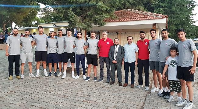 Jeopark Kula Belediyespor'lu oyuncular Kula'yı yakından tanıyor