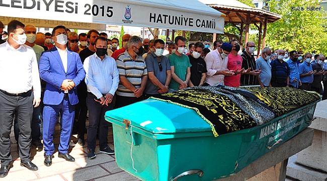 Evlilik teklifi almak için gittiği Nevşehir'deki kazada ölen genç antrenör, memleketi Manisa'da toprağa verildi
