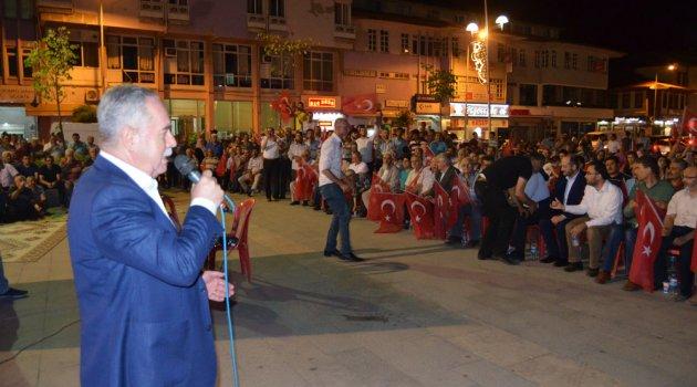 Kula'da Demokrasi Nöbeti Devam Ediyor