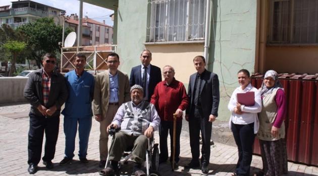 Kula'da Engelli Vatandaşlara Akülü Araç Dağıtıldı